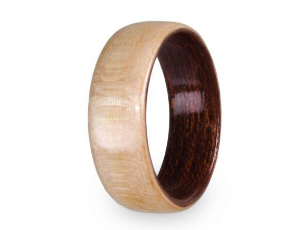Holzring aus Ahorn und Mahagoni