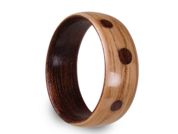 Holzring aus Eiche und Mahagoni