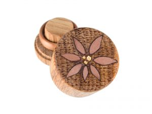 RoundSafe aus Eiche mit Inlay aus Elsbeere und Blattgold